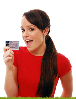 Happy Teenager mit Führerschein